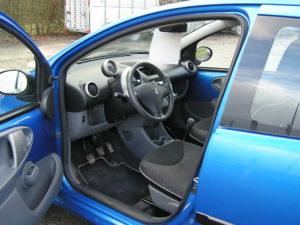 Peugeot 107 blue lion trendy intérieur